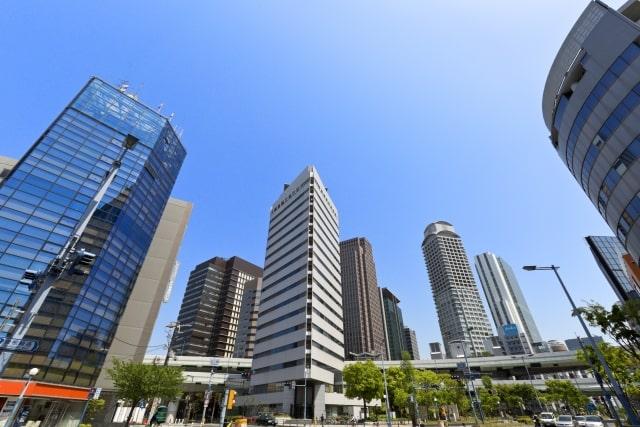 西梅田駅周辺のビルの画像