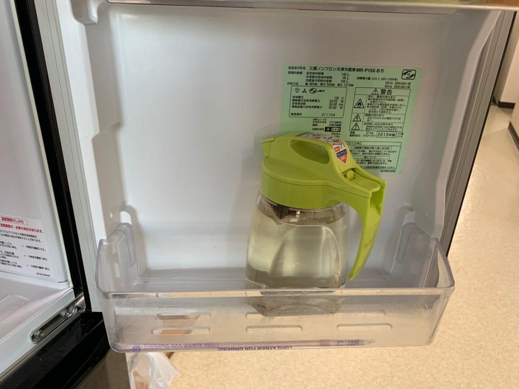 ポット(容器)を冷蔵庫に収納した画像